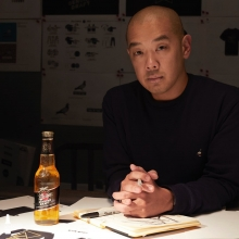 #MillerDesignLab has collaborated with New York designer @jeffstaple and Melbourne brand @bellroy to create a bag that you can customise and make your own. Swipe 👉👉 to see the process and stay tuned for how you can get your hands on one.