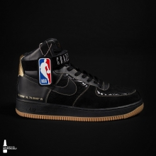 In collaboration with @j.theripper and @NBACanada, #MillerDesignLab saw the customization of one-of-a-kind basketball sneaker won by one lucky Canadian fan 🏀 #ItsMillerTime